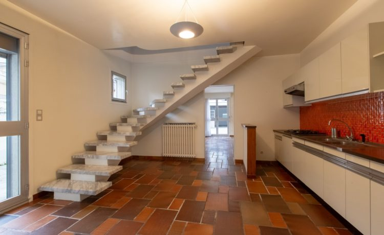 Ensemble immobilier: Maison + local 2