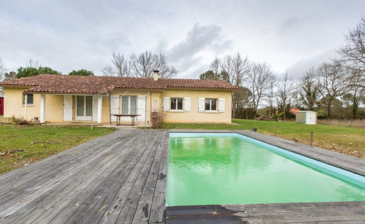 Maison contemporaine avec piscine 1