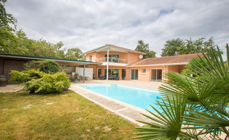 Maison d'architecte avec piscine 1
